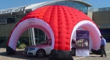 Stand igloo gonfiabile Audi