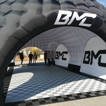 bmc stand gonflable
